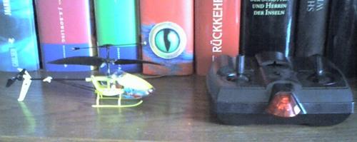Fliegen die kleine spielzeughelikopter wirklich for Was macht man gegen kleine fliegen in der blumenerde